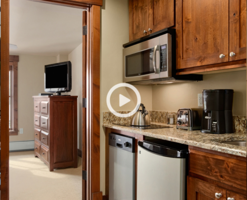 Virtual Tour of The Grand Lodge on Peak 7 Suite